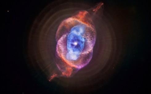 U některých záběrů kosmických objektů nelze ani uvěřit, že jsou reálné... Portrét tzv. planetární mlhoviny pojmenované podle vzhledu